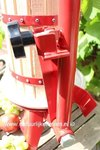 Fruit press with tiltable bridge 6 l