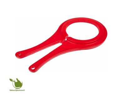 A universal lid opener